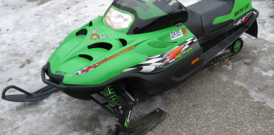 2002 Arctic Cat Z 370 snowmobile left quarter Minnesota for sale