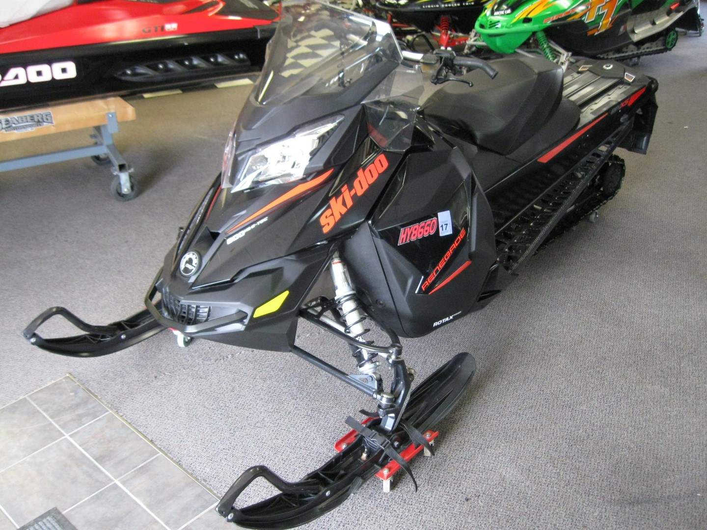 2015 Ski-Doo MXZ Renegade 600 E-Tec Snowmobile for sale eagan mn Seaberg Motorsports Crosslake MN front quarter right