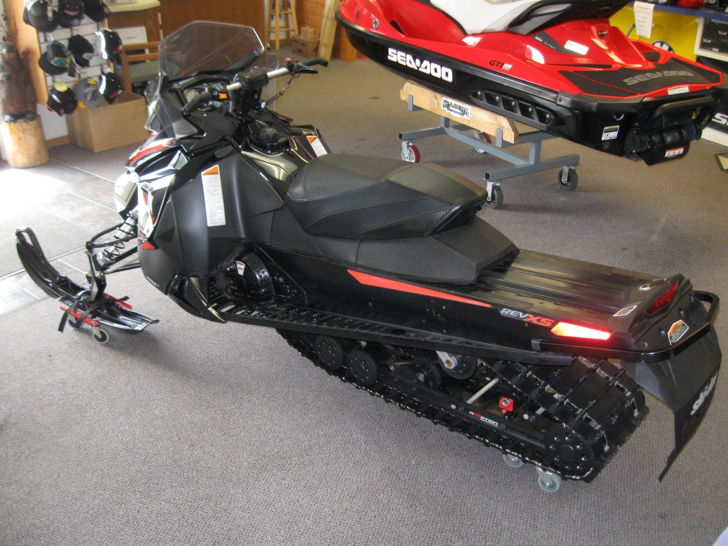 2015 Ski-Doo MXZ Renegade 600 E-Tec Snowmobile for sale eagan mn Seaberg Motorsports Crosslake MN rear left quarter