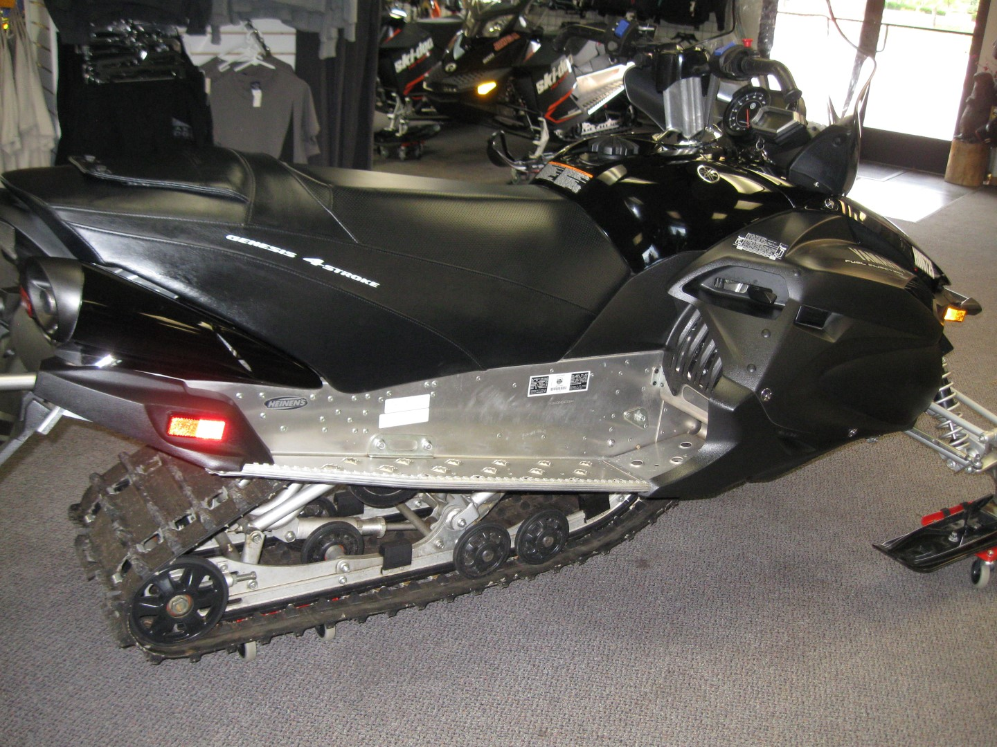 2012 Yamaha RS Vector Snowmobile Right side view black for sale Minneapolis MN