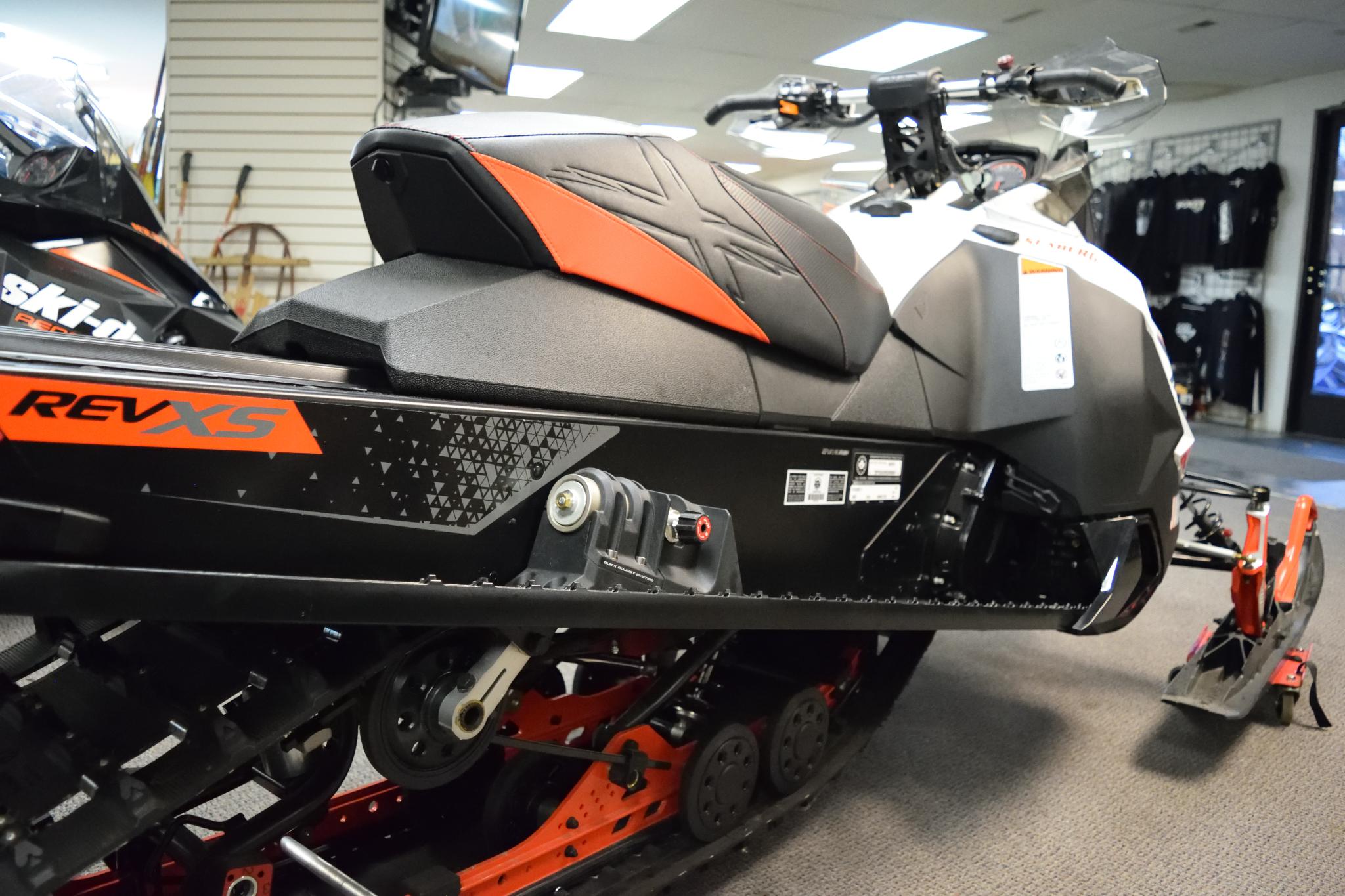 2016 Ski Doo Renegade X 600 HO E-TEC Seaberg Motorsports Crosslake Minnesota Rear with Adusters