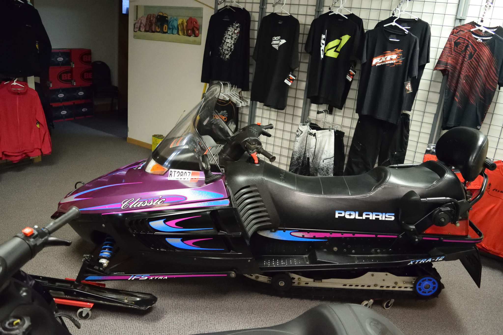 1997 Polaris Indy Classic Touring 2-up 500 Liquid Cooled Seaberg Motorsports Crosslake MN Side View