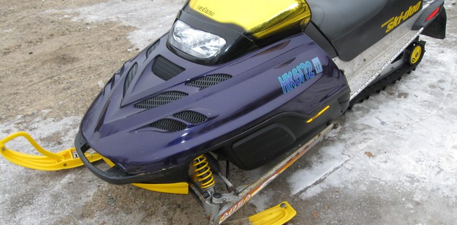 2000 Skidoo Summit Snowmobile right quarter view
